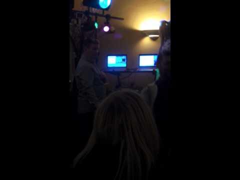 Kirsty Leigh porter singing Valarie karaoke