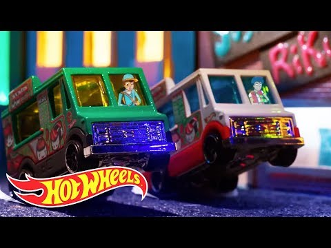The Job | Hot Wheels Mini Movies | Hot Wheels