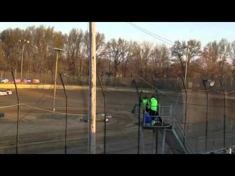 Rooster Nation Dustin Linville hot lapping moler raceway park