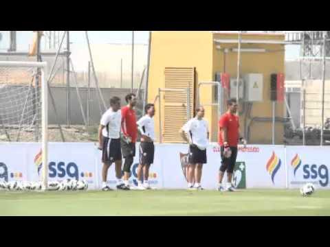 ¿Quién debe ser el portero del Sevilla? ¿Palop o Diego López?