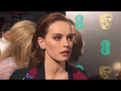 Download Youtube: Daisy Ridley Interview on Carrie Fishers Death: BAFTAs 2017