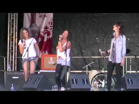 Montrose Music Festival 2012 - Lauren, Emily & Meg - Sweet Child of Mine