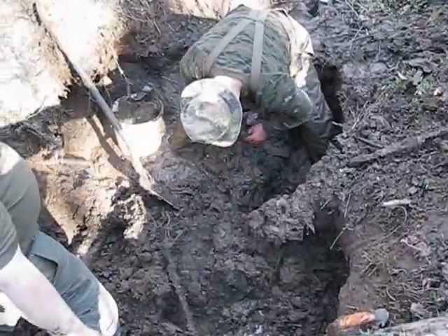 Блиндаж с убитыми немцами/ dugout with dead germans - playit.
