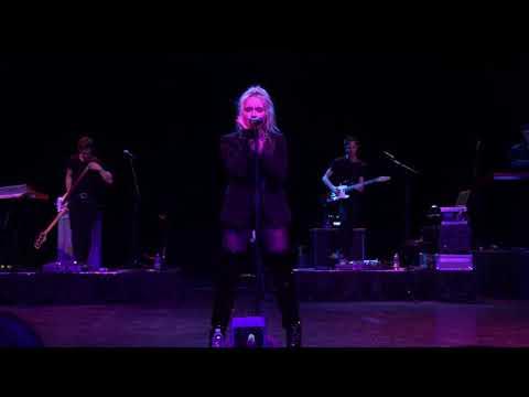On Purpose & First Love - Sabrina Carpenter LIVE - Kansas City