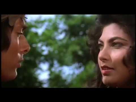 Hemant Birje And Kimi Katkar Steaming  Lip Lock  - Tarzan - Best  Scene