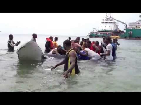 Sauvetage d'une baleine au GABON\Port-Gentil\quai Total