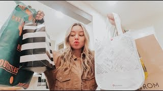 shopping for christmas presents and for myself! Vlogmas day 10!