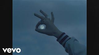 Naya - Girl On the Moon (Clip officiel)