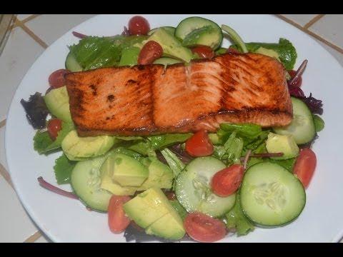 Ensalada con salmon receta para perder peso youtube for Como se cocina la quinoa para ensalada