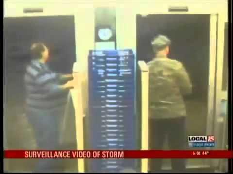Walgreens Tornado Video Mobile Alabama Watch Tornado on Walgreens ...