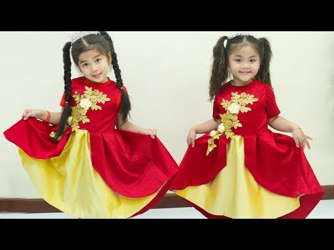 Suri and Annie Want the Same Dress Pretend Play Dress Up
