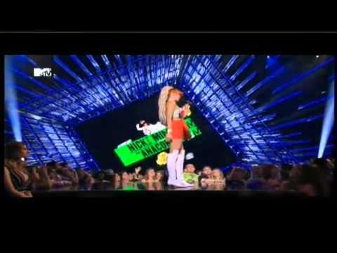 Nicki Minaj vs. Miley Cyrus (FULL) (2015 MTV Video Music Awards) [2015 VM