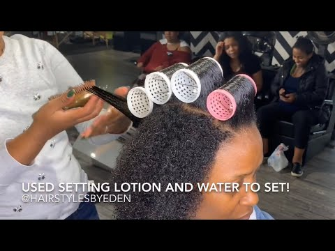 NATURAL CURLY HAIR / ROLLER SET/BLACK WOMAN