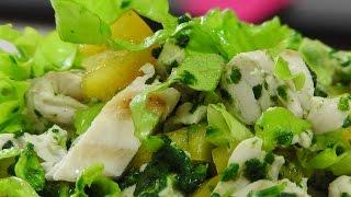 Куриный салат со шпинатом.