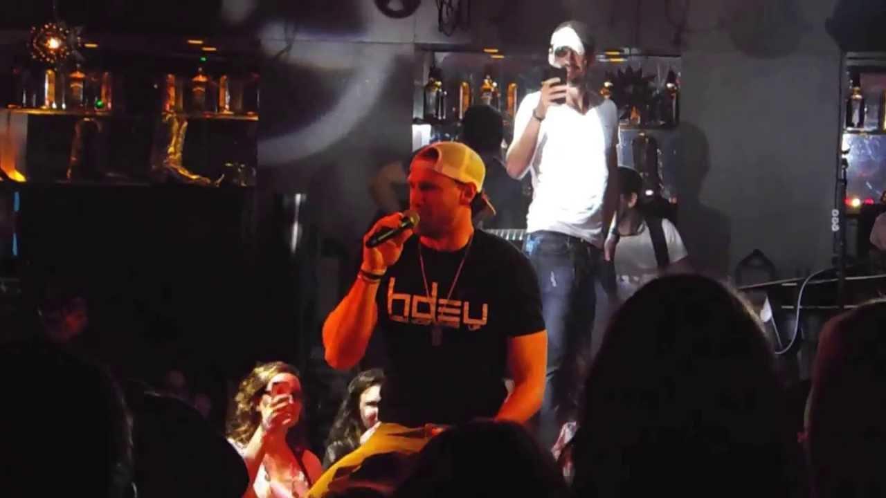 Chase Rice Sings On Mechanical Bull Pbr Bar Grill Philadelphia 10 11 13