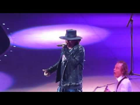 """AC/DC w/Axl Rose: """"You Shook Me All Night Long"""" at Madison Square Garden (NYC), 9/14/16"""