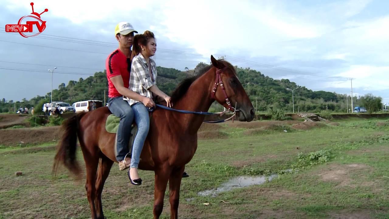 Ny Saki khóc thét khi cưỡi ngựa cùng trai đẹp.
