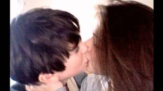 Skandar Keynes and Georgie Henley kissing???