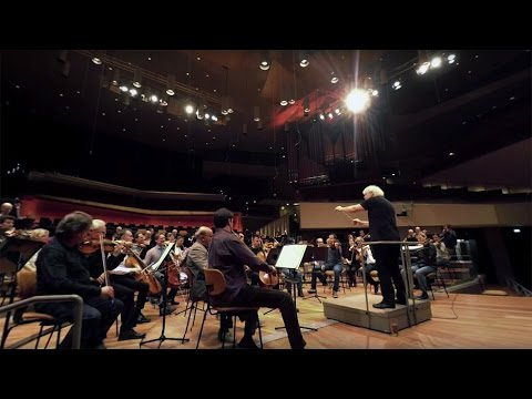 360-degree video – Beethoven: Symphony No. 9 / Rattle · Berl