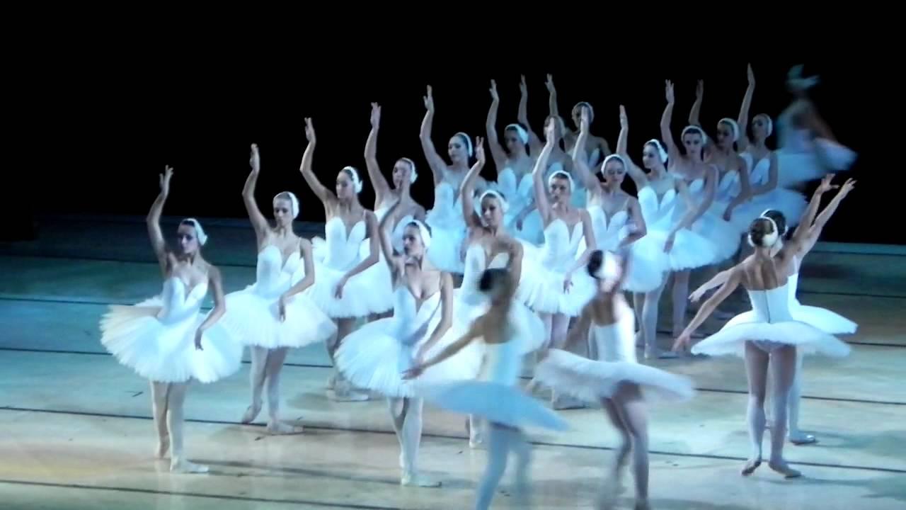лебединое озеро голые балерины видео
