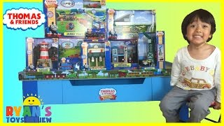 Thomas and Friends Wooden Railway Grow With Me Play Table toy trains for kids James