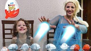 Elsa do frozen abrindo Kinder Ovos Surpresas - Valentina