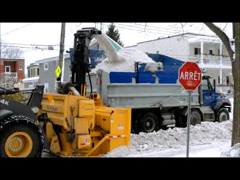SNOW REMOVAL ACTION IN MONTREAL CANADA