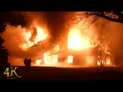 Montreal: Large mansion destroyed by spectacular wind driven fire 10-30-2017