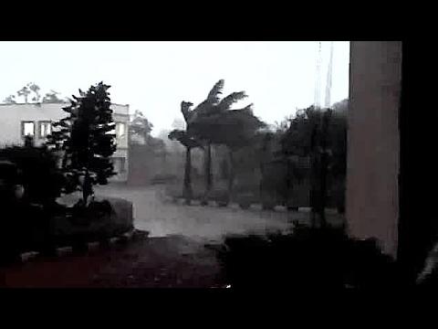 Cyclone Debbie starts near Ayr,Bowen,qld hits land of Australia