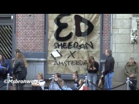 Ed Sheeran Fans Bij De  pop-up store Mp3