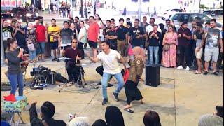 LUCU😂 Banget nihh fans Indonesia menari Goyang Dumang bikin para penonton ketawa