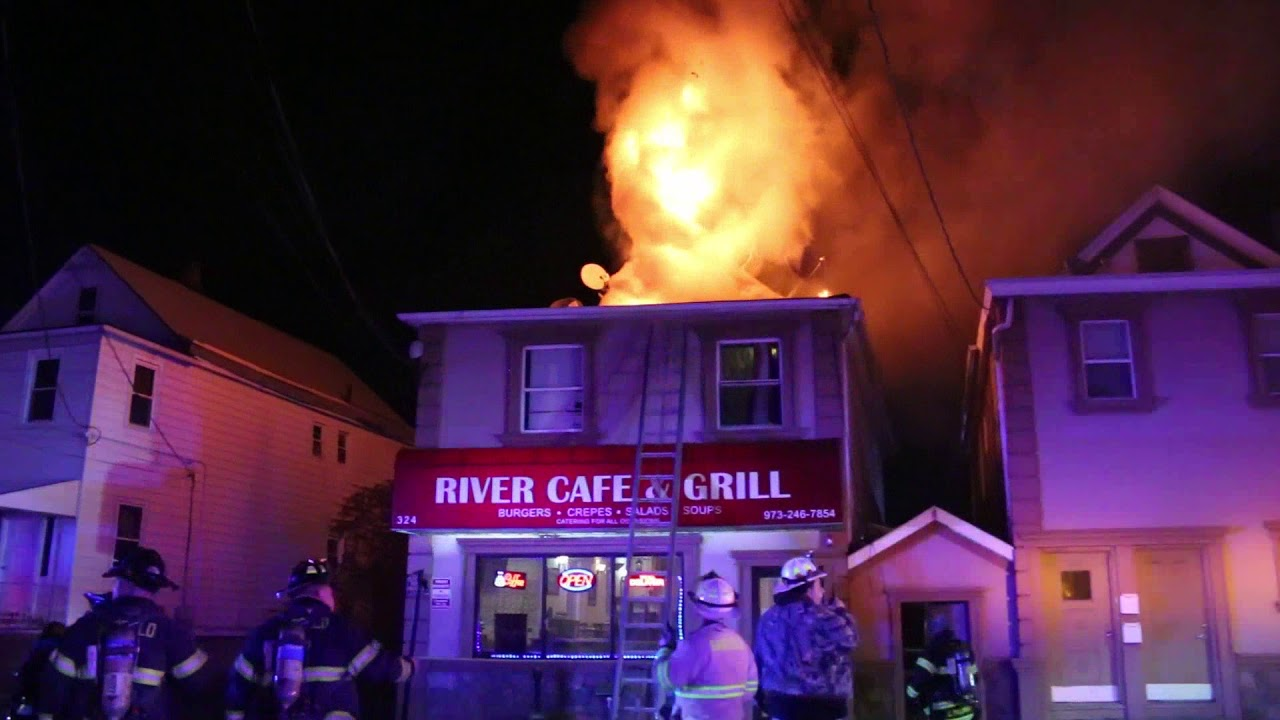 Fire At The River Cafe Grill Garfield Nj Youtube