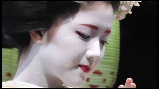 京都 東山花灯路 八坂神社 舞妓さんによる奉納舞踊(上七軒 勝奈さん、市多佳さん、里の助さん(地方)) 2016年 dance by Maiko at Yasaka shrine, Kyoto