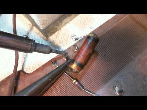 General Electric C100 Vacuum Tube AM Radio Video #3 - Antenna Connection