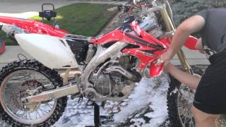 How to wash and detail a dirt bike