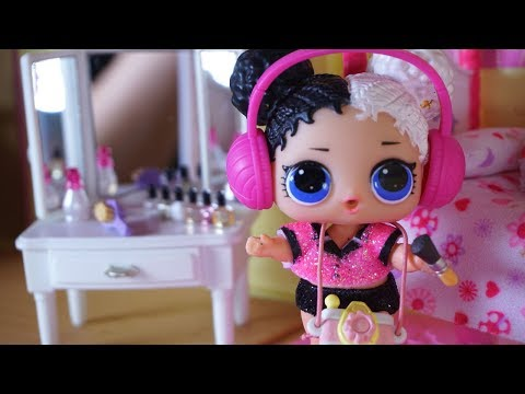LOL SURPRISE DOLLS Harper Changes Her Attitude And Dolls Get Babysat!