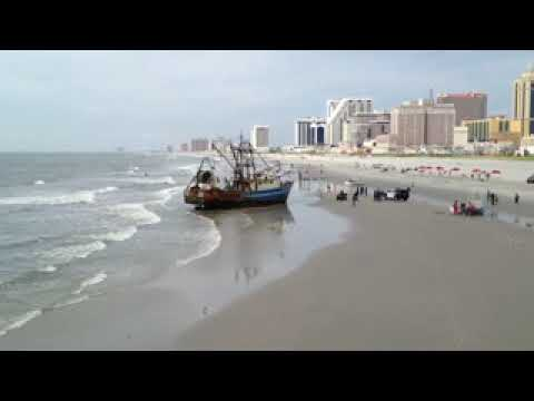 Boat beached in Atlantic City