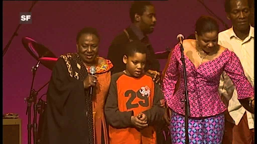 Miriam Makeba - Pata Pata (Live at AVO Session (Basel) Switzerland - 2006)