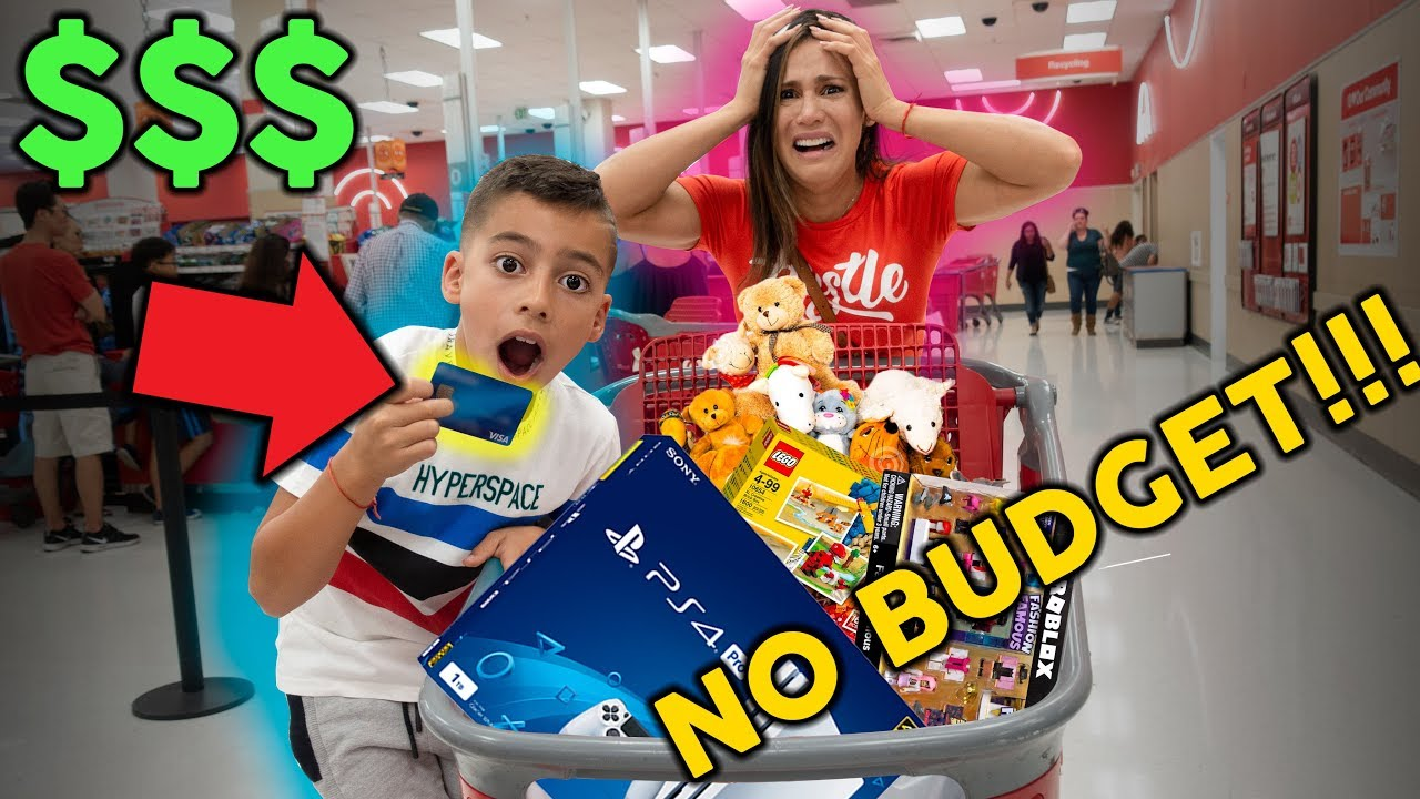 8-year-old-takes-parents-credit-card-no-budget-at-mall-the-royalty-family