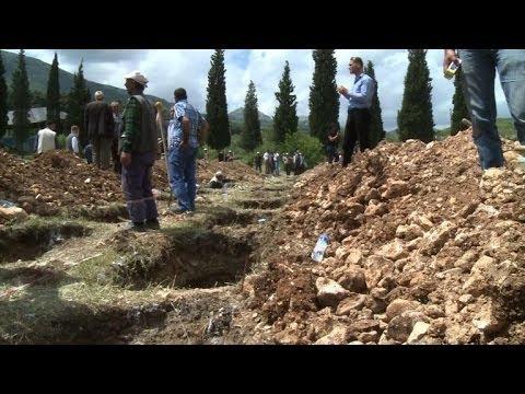 Turkey mining town Soma buries its dead