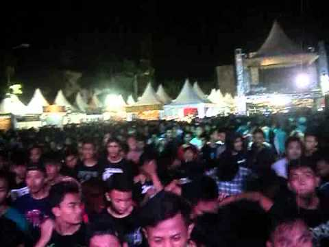 REVENGE THE FATE - KASHMIR (LIVE AT PICA FEST BALI 2015)