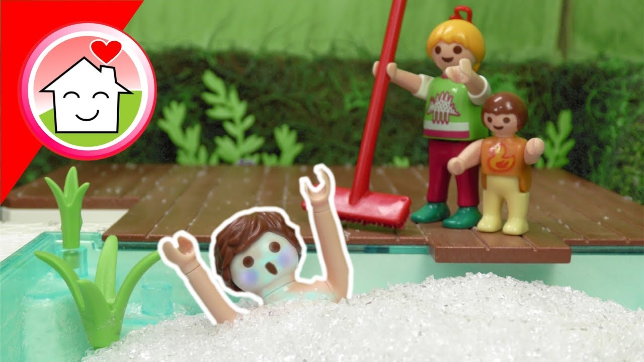Playmobil Familie Hauser im Hagel - Pool Geschichte mit Anna und Lena