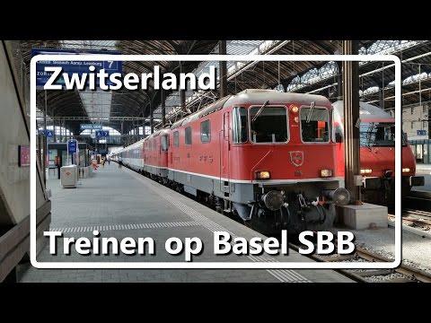 Treinen op station Basel SBB // Trains on Basel SBB station