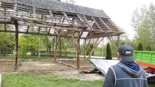 Wyburzanie stodoły Wampierzów