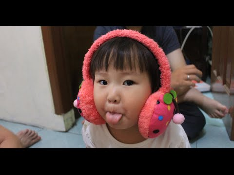 Rahel Dan Jeremy (2) - Pake Headphone Pink Koko ^^