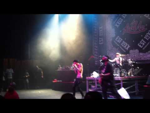 MGK - Dark Side Of The Moon live at the Fillmore in Detroit, MI 07-12-2014