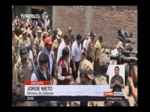Arequipa: ministro de Defensa constató daños causados por lluvias y huaicos