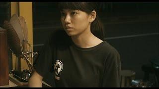 """ストーリー> 大阪。広場で行われていたバンド""""赤犬""""のライブに、若い男..."""
