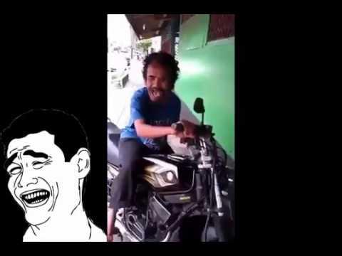 KOCAK, LUCU BANGET, Meniru suara motor RX-King. LOL :D