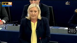 Marine Le Pen distrugge Angela Merkel
